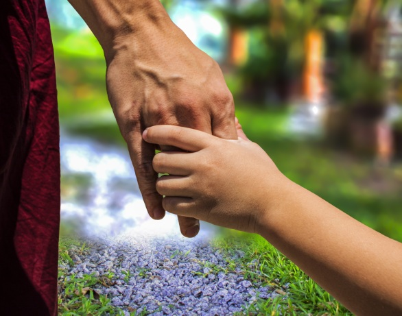 hand-grass-people-lawn-sunlight-leaf-1279152-pxhere.com