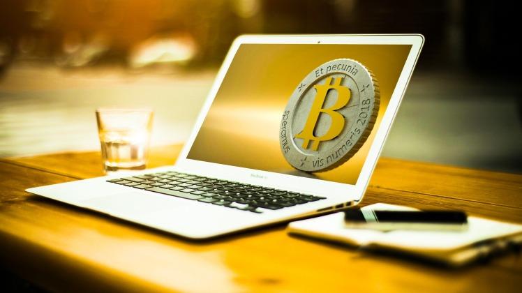 bitcoin-3090250_1920